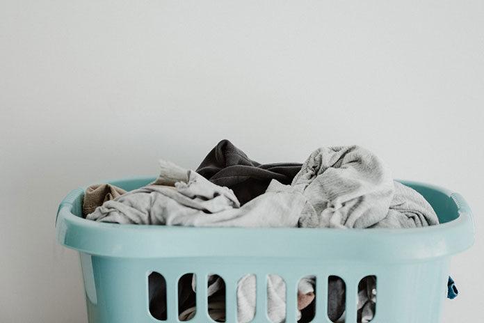 Jak dobrać kosz na pranie, aby był funkcjonalny