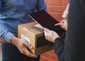 Jak nadać przesyłkę kurierską